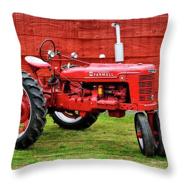 Vintage Farmall Tractor With Barnwood Throw Pillow