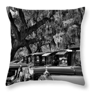 Vintage Ford Line-up At Magnolia Plantation - Charleston Sc Throw Pillow