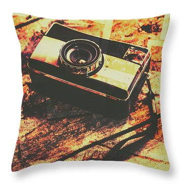 Vintage Old-fashioned Film Camera Throw Pillow