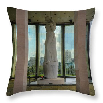 Virginia War Memorial Throw Pillow