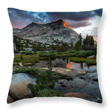 Vogelsang Peak Throw Pillow