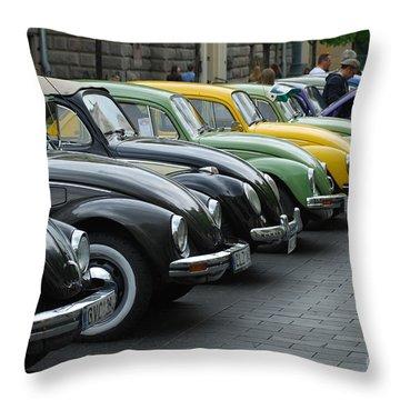 Volkswagen Beetle /12/ Throw Pillow