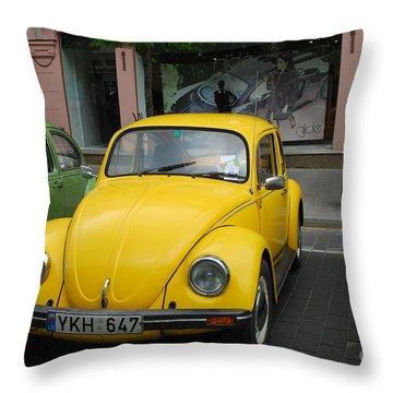 Volkswagen Beetle /13/ Throw Pillow