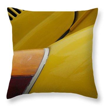Volkswagen Beetle /16/ Throw Pillow