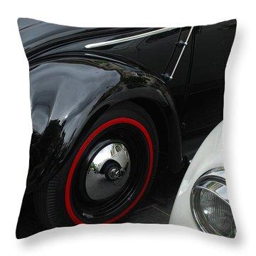 Volkswagen Beetle /2/ Throw Pillow