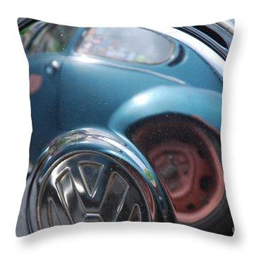 Volkswagen Beetle /22/ Throw Pillow