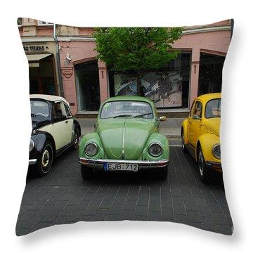 Volkswagen Beetle /7/ Throw Pillow