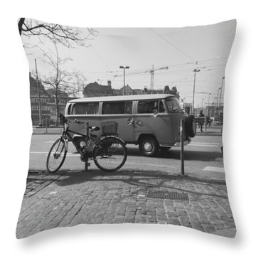Vw Oldie Throw Pillow