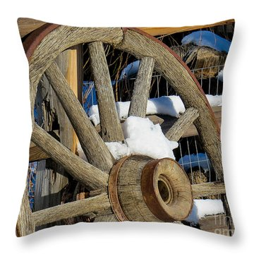 Wagon Wheel 1 Throw Pillow