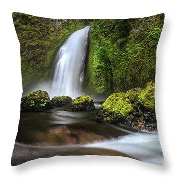 Wahclella  Throw Pillow