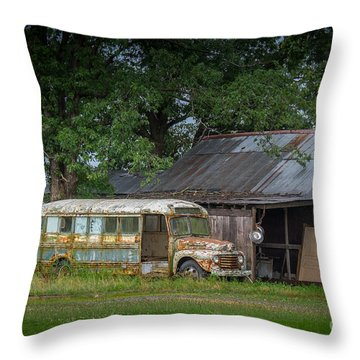 Throw Pillow featuring the photograph Waiting For The Bus In Tennessee by T Lowry Wilson
