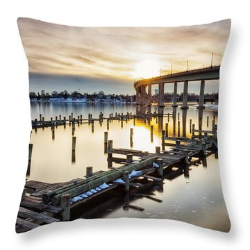 Throw Pillow featuring the photograph Waiting For The Set by Edward Kreis