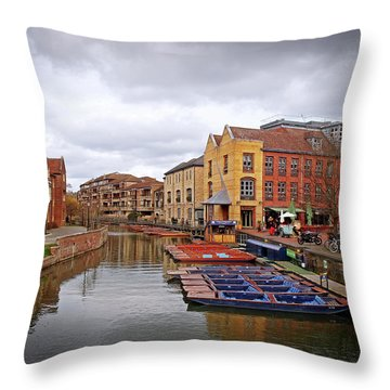 Throw Pillow featuring the photograph Waiting For The Tourists Cambridge by Gill Billington