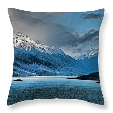 Wakatipu Lake Throw Pillow