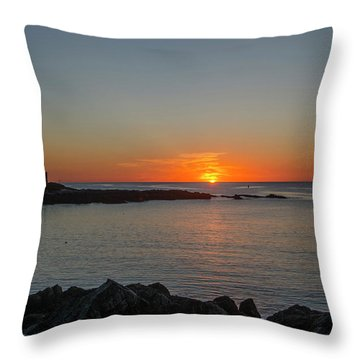 Walkers Point Kennebunkport Maine Throw Pillow
