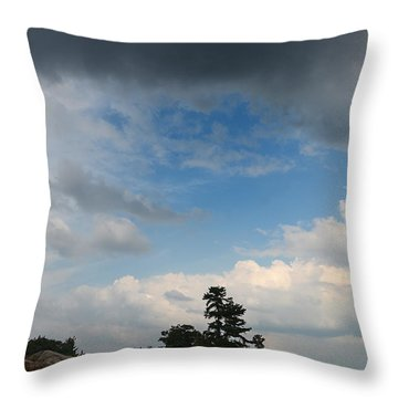 Wall Island 3623 Dramatic Sky Throw Pillow