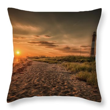 Warm Sunrise At The Fire Island Lighthouse Throw Pillow