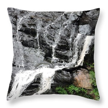 Water On Rocks Throw Pillow