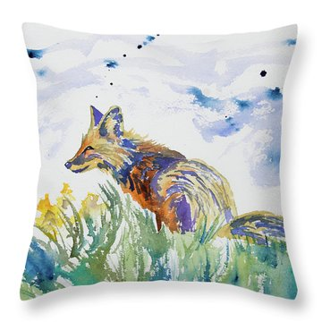 Watercolor - Fox On The Lookout Throw Pillow