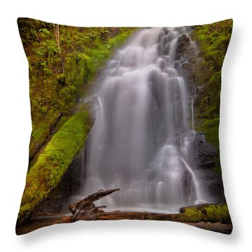 Waterfall Showers Throw Pillow