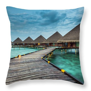 Way To Luxury 2x1 Throw Pillow