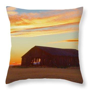 Weathered Barn Sunset Throw Pillow