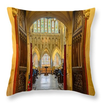 Wellscathedral, The Quire Throw Pillow