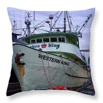 Throw Pillow featuring the photograph Western King At Discovery Harbour by Randy Hall