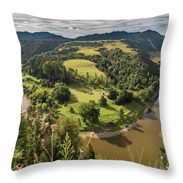 Throw Pillow featuring the photograph Whanganui River Bend by Gary Eason