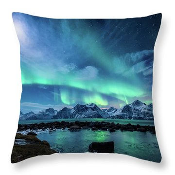 When The Moon Shines Throw Pillow