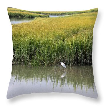 White Egret On Hunting Island Throw Pillow by Ellen Tully