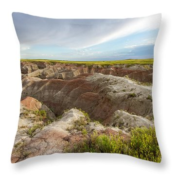 White River Valley Badlands Throw Pillow