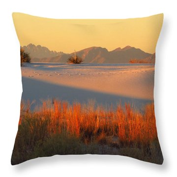 White Sands Dawn #28 Throw Pillow