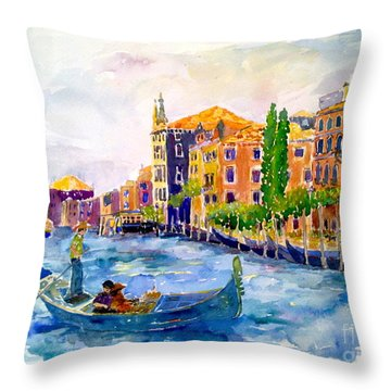 White Swan Of Cities Throw Pillow