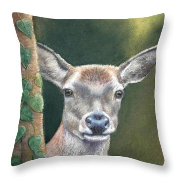 White Tail Doe At Ancon Hill Throw Pillow