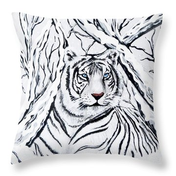 White Tiger Blending In Throw Pillow