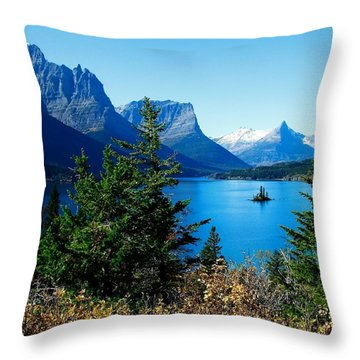 Wild Goose Island In The Fall Throw Pillow