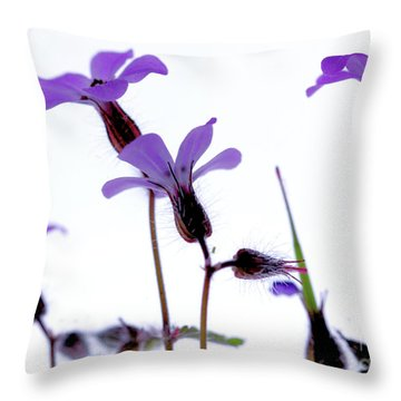 Wild Knotted Cranesbill Throw Pillow