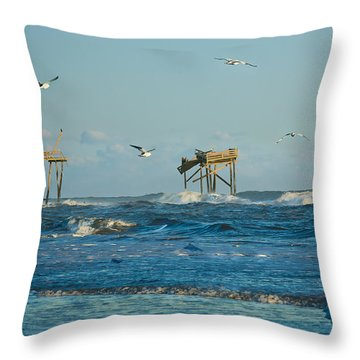 Wild Waves At Nags Head Throw Pillow