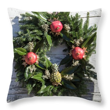Williamsburg Wreath 70 Throw Pillow