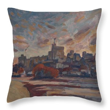 Windsor Castle Along The Thame Throw Pillow