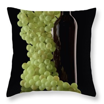 Wine Bottle With Grapes Throw Pillow