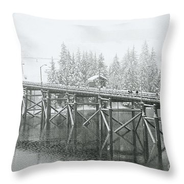 Winter Morning In The Pier Throw Pillow