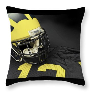 Wolverine Helmet With Jersey Throw Pillow