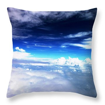 Wonder Of Cloudz Throw Pillow