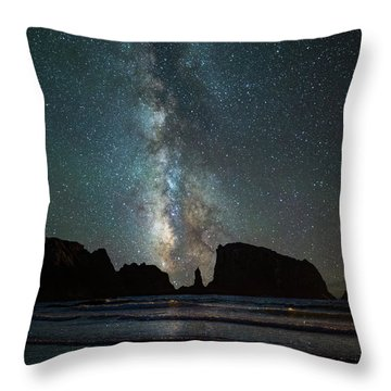 Throw Pillow featuring the photograph Wonders Of The Night by Darren White