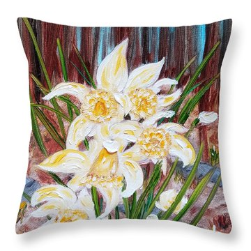 Throw Pillow featuring the painting Woodland Daffodils by Judith Rhue