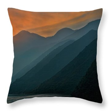 Wu Gorge Sunrise Throw Pillow