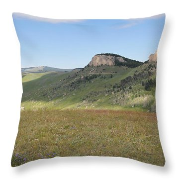 Wyoming Bluffs Throw Pillow