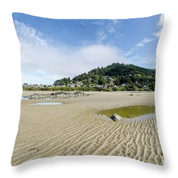 Yachats River At Low Tide Throw Pillow